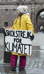 Greta Thunberg devant le parlement suédois