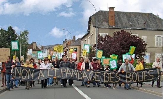 Défilé dans les rues de Bourges