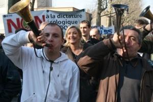 M. Le Pen à la manifestation des chasseurs , Valencienne,2009