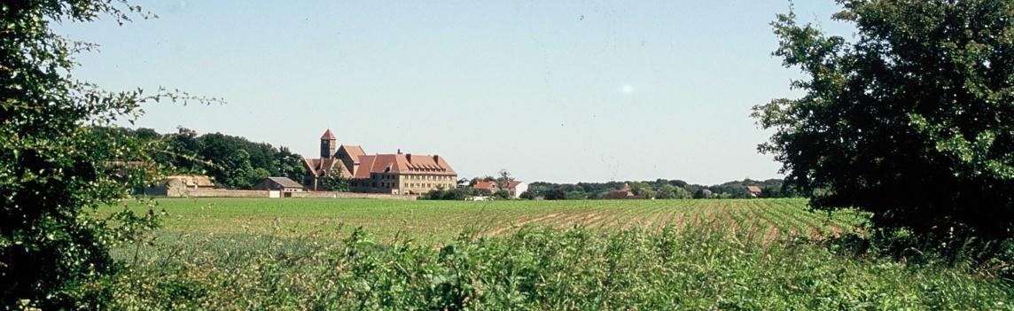 Sur le Plateau : l'abbaye de Limon